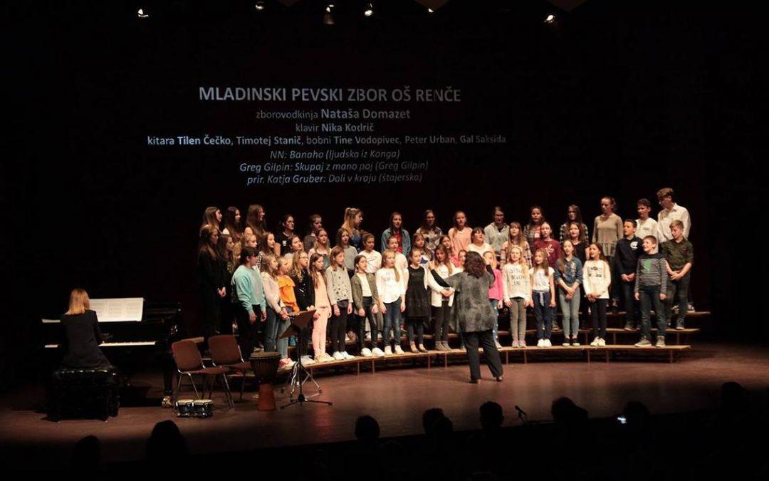Mladinski pevski zbor OŠ Renče blestel na Reviji otroških in mladinskih pevskih zborov Goriške 2019